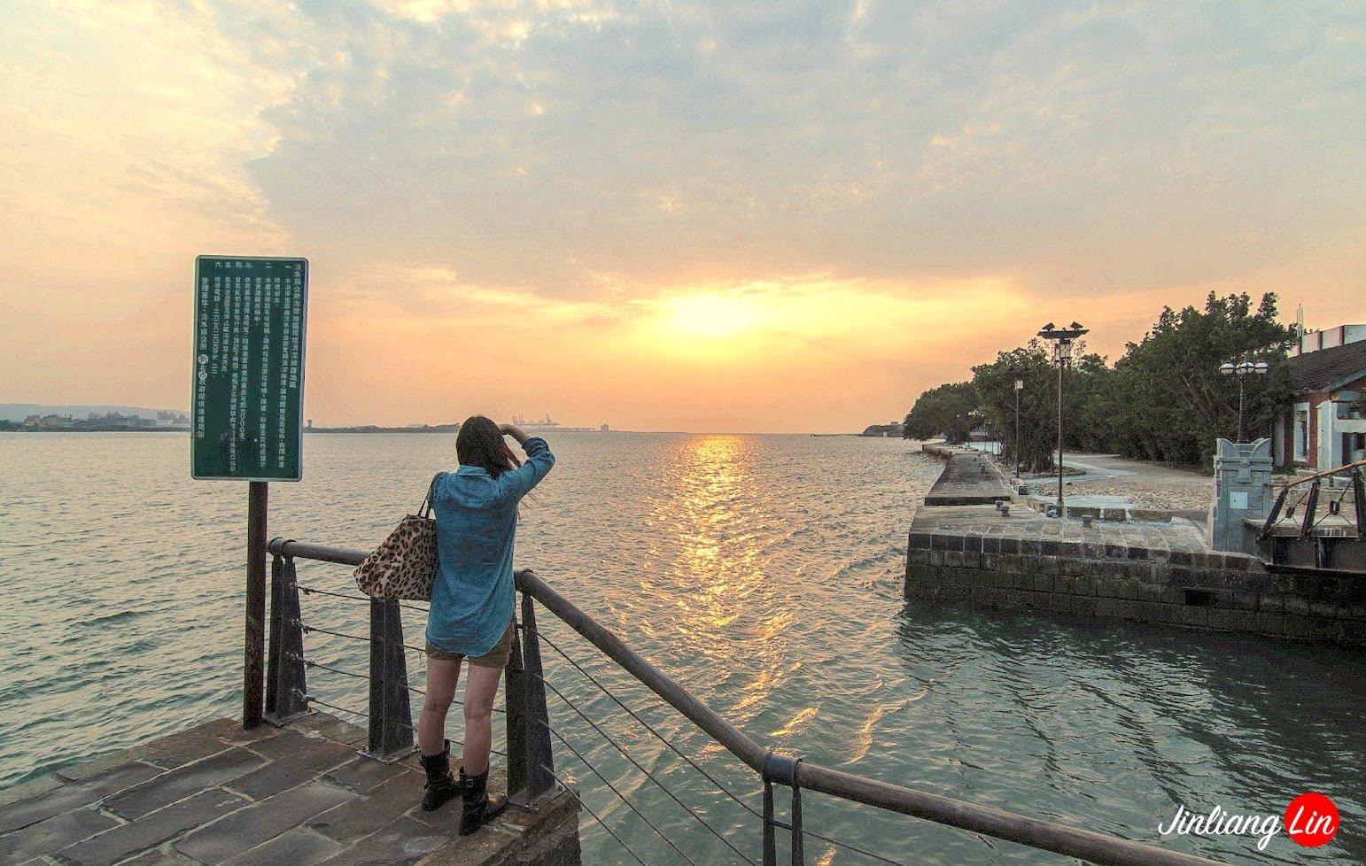 女孩 日落 淡水河|20120428