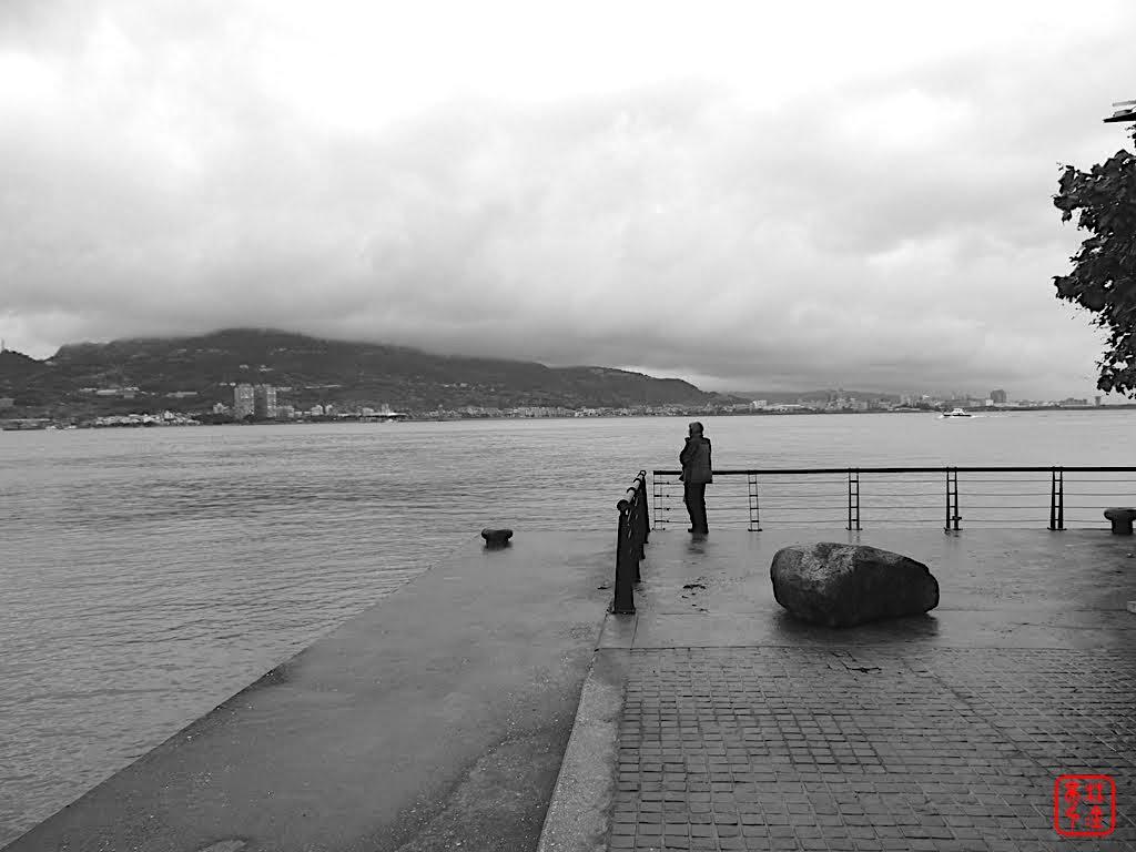 這城市好多人寂寞著|淡水河岸